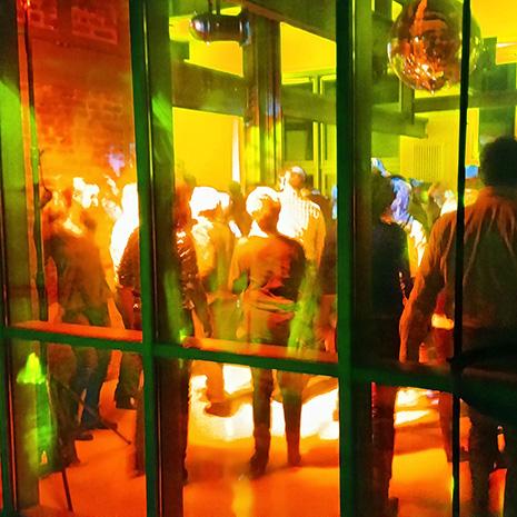 Feiern auf der 6-m-Ebene