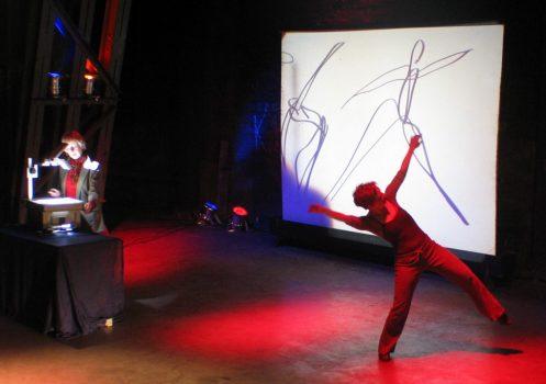 Kunstperformance - Ilse Sträter malt den Tanz live